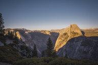 USA, California, Yosemite National Park, Glacier Point - KKAF03065