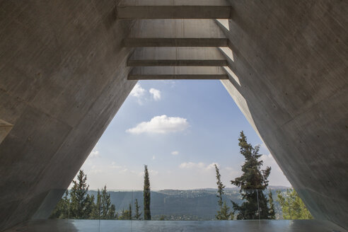 Israel, Jerusalem, Herzlberg, Yad Vashem Holocaust History Museum, memorial, view to mountain - PST00285