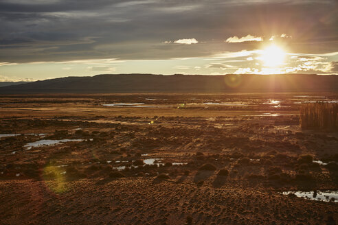 Argentina, Rio Chico, Patagonian steppe at sunset - SSCF00294