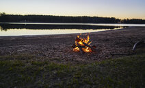 Argentina, Patagonia, Concordia, camp fire at a lake - SSCF00339