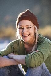 Portrait of smiling mature woman - UUF16303