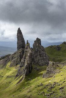 UK, Scotland, Inner Hebrides, Isle of Skye, Trotternish, Old Man of Storr - ELF01982
