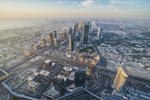 UAE, Dubai, Highrise building in Down Town Dubai - RUNF00368