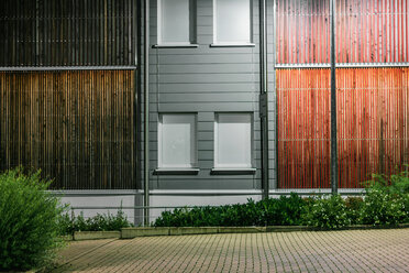 Building with wooden walls - INGF09737