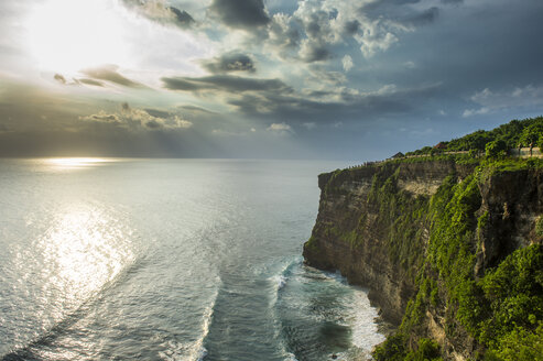 Indonesia, Bali, Uluwatu, Cliff at the Uluwatu Temple area - RUNF00397
