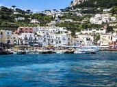 Italy, Campania, Gulf of Naples, Capri, Marina Grande, boats - AMF06409