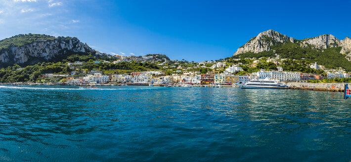 Italy, Campania, Gulf of Naples, Capri, Panoramic view of Marina Grande - AMF06412