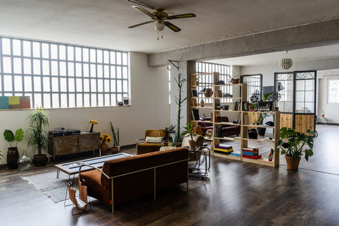 Interior of a loft office - GIOF05154