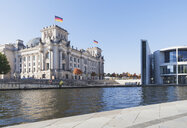 Germany, Berlin, Regierungsviertel, Reichstag building, Paul-Loebe-Haus and at Spree River - GWF05692