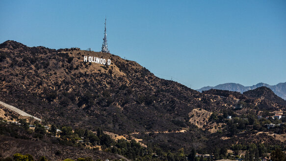 USA, California, Los Angeles, Hollywood sign in the mountains - DAW00842