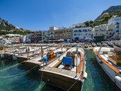 Italy, Campania, Capri, Marina Grande and boats - AMF06454