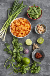 Ingredients of sweet potato soup with  shrimps - SARF04017