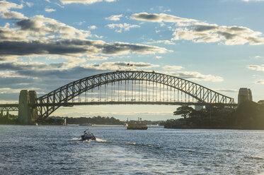 Australia, New South Wales, Sydney, Sydney harbour bridge - RUNF00521