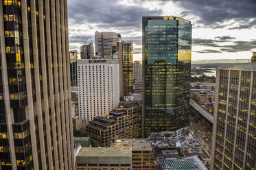 Australia, New South Wales, Sydney, Cental Business district in the evening - RUNF00533