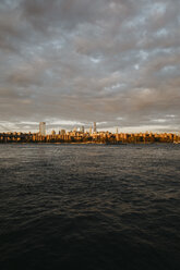 USA, New York, New York City, View to Brooklyn at sunrise - LHPF00328