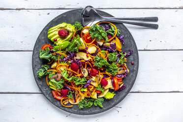 Kale avocado salad with red cabbage, tomato, fried mushroom, carrot, apple and raspberry - SARF04036