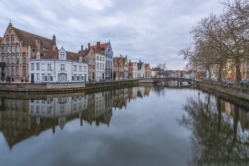 Belgium, Bruges, city view in winter - RPSF00260