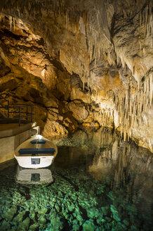 Bermuda, Crystal Cave, Stalagmites and stalactites - RUN00653