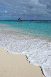 Bermuda, Jobson bay, White sand beach - RUNF00668