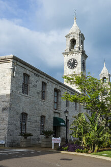 Bermuda, Clock tower and shopping mall in the royal naval dockyard, old storehouse - RUNF00671