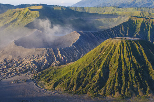 Indonesia, Java, Bromo Tengger Semeru National Park, Mount Bromo volcanic crater at sunrise - RUNF00695