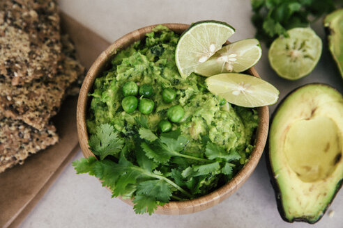 Guacomole with peas, avocado, lime, coriander and crisp bread - MBEF01458