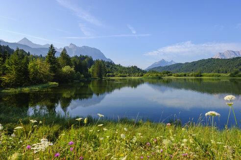 Germany, Bavaria, Werdenfelser Land, Isar dam Kruen - SIEF08265