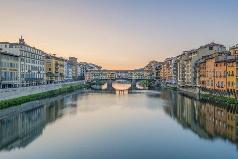 Italy, Tuscany, Florence, Ponte Vecchio - RPS00271