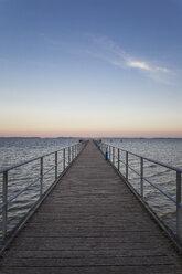 Seebrücke Dranske, Dranske, Ostseeinsel Rügen, Ostsee, Mecklenburg-Vorpommern, Deutschland - MAMF00272