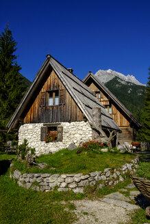 Slovenia, Soca Valley, near Trenta, alpine hut in Triglav National Park - LBF02326