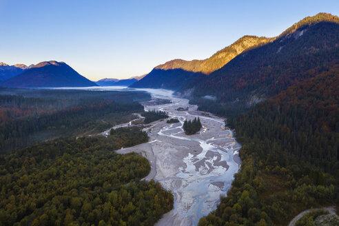 Germany, Bavaria, Upper Bavaria, Isar river near Sylvenstein dam in the morning - SIEF08268