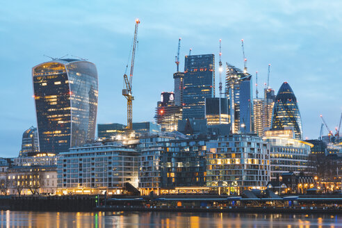 United Kingdom, England, London, financial district with modern skyscrapers at dawn, long exposure - WPEF01266