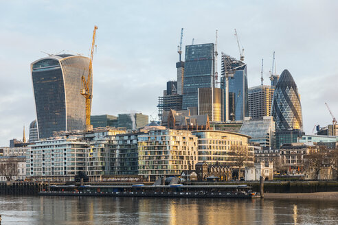 United Kingdom, England, London, financial district with modern skyscrapers in the morning light, long exposure - WPEF01269
