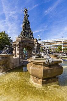 Germany, Mannheim, fountain with Grupello Pyramid at Paradeplatz - WDF05006