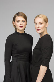 Studio portrait of mother and adult daughter - VGF00155