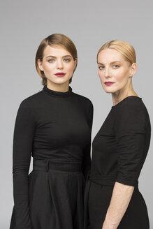 Studio portrait of mother and adult daughter - VGF00155