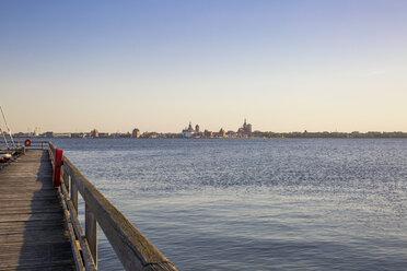 Germany, Ruegen, view from Altefaehr to Stralsund - MAMF00310