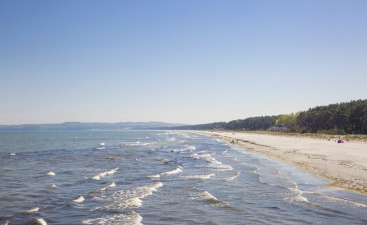 Germany, Ruegen, Binz, beach in Prora - MAMF00316