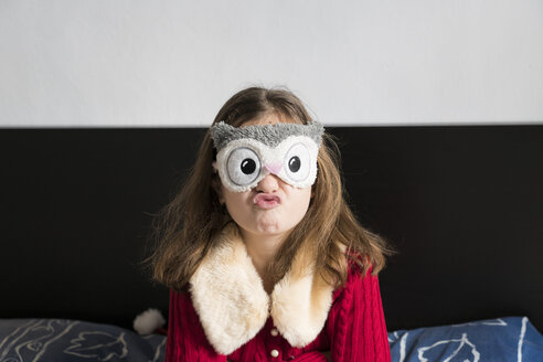 Girl wearing a mask at home - XCF00191