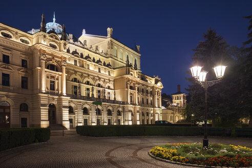 Poland, Kraków, Juliusz Słowacki Theatre at night, Eclectic style city landmark from 1893 with neo-baroque elements - ABOF00398