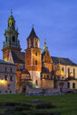 Poland, Kraków, Wawel Cathedral in the evening - ABOF00404
