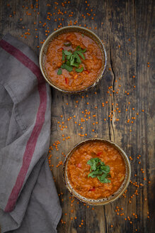 Red lentil soup with paprika, ginger and coconut milk and coriander - LVF07648