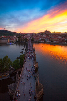Charles Bridge at sunset, Prague, Czech Republic - CUF46716