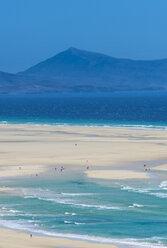Spain, Canary Islands, Fuerteventura, lagoon on Risco beach - RUNF00843