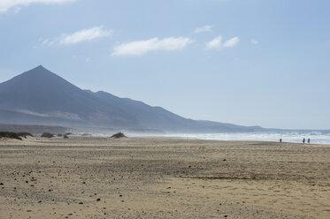 Spain, Canary Islands, Fuerteventura, remote Cofete beach - RUNF00846