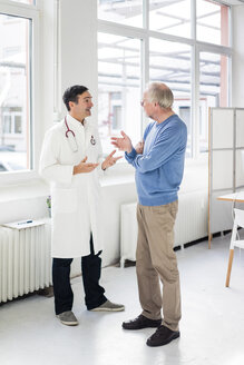 Doctor and patient talking in medical practice - JOSF02823