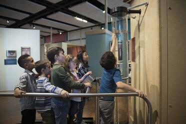 Children at exhibit in science center - HEROF05202