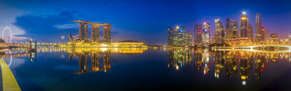 Singapore, Marina Bay Sands Hotel at night - SMAF01185