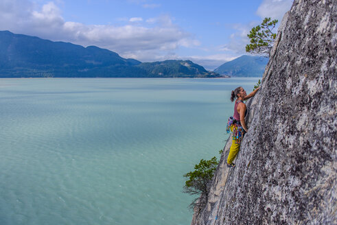 Woman rock climbing, Squamish, Canada - CUF47054