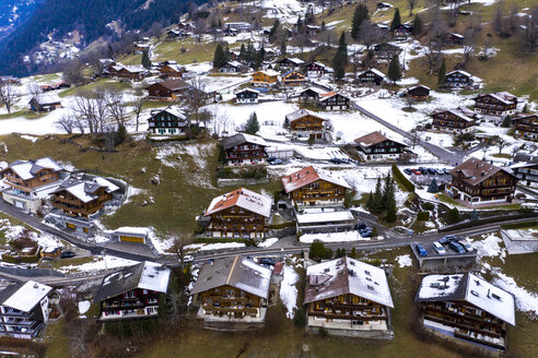 Switzerland, Canton of Bern, Grindelwald, townscape in winter - AMF06691
